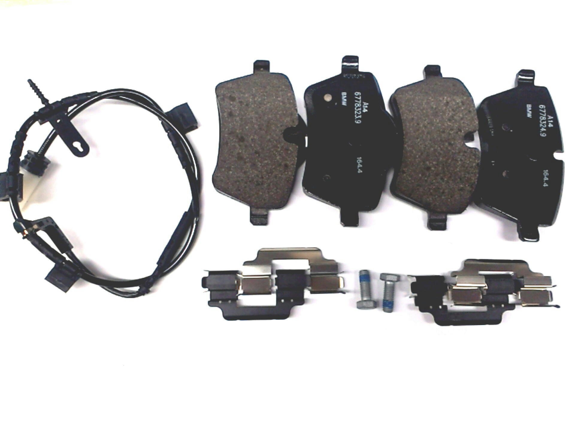 2007 Mini Cooper S Set Of Brake Pads With Wear Sensors